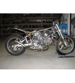 Réservoir polyester Ducati 900 SS Café Racer modification 1