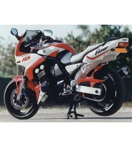 Garde boue arrière Fazer 600 98-01 vue sur moto complète
