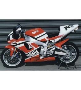 Coque arrière biplace R1 98-99 vue gauche sur moto complète