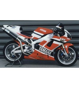 Coque arrière biplace R1 98-99 vue droite sur moto complète