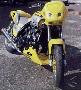 Sabot moteur VMAX 1200 85-03 vue moto complète