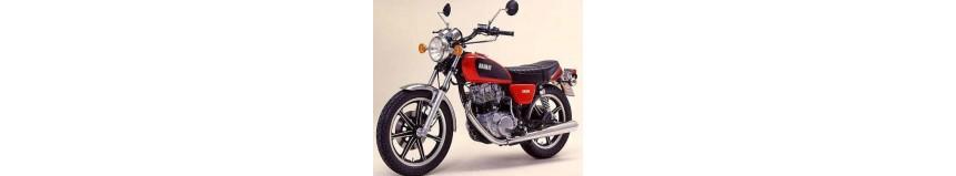 Dosseret de selle pour Yamaha 400 et 500 SR, en stratifié polyester, livré brut à peindre...